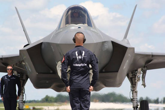 F-35-pilot-at-attention